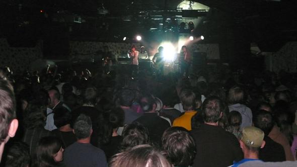 Phoenix in Frankfurt auf der Bühne, Fotos im Publikum
