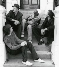 Albarn (ganz rechts) mit neuer Band
